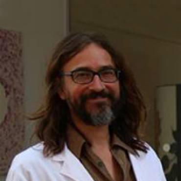 Dr. Victor Puntes