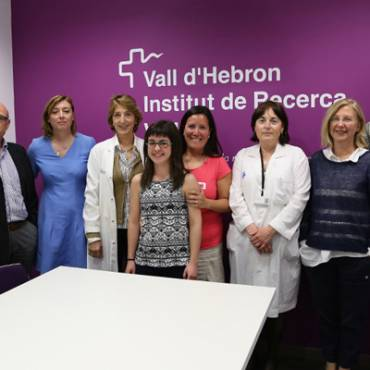 The Association for Familial Hypomagnesemia donates once again 15000 € for the research of this disease