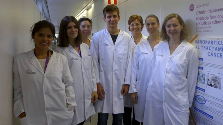 The laboratory of Dr. Abasolo receives the visit of a future investigator